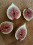 cut figs ready for broiling (or just eating!)